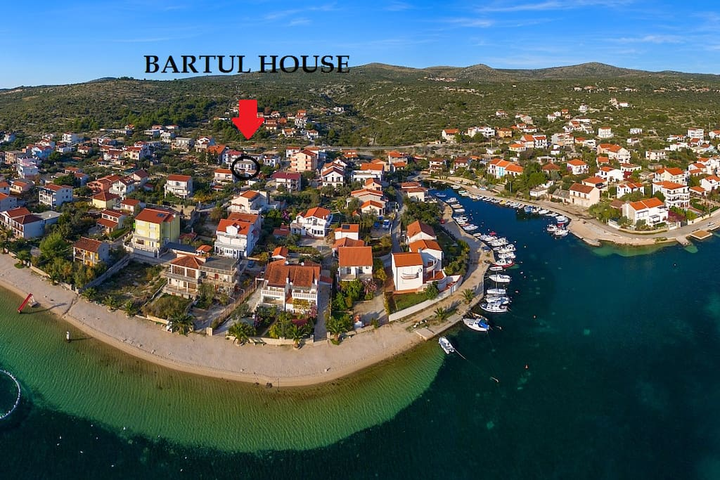 Bartul house located 100m from beach