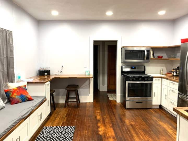 Historic, Charming & Updated 2 bed downtown Apt #1