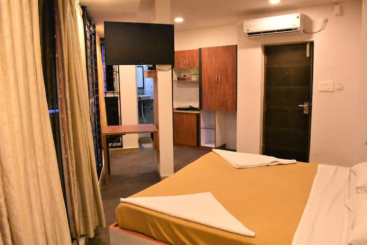 LUXURY STUDIO ROOMS WITH KITCHEN @ KORAMANGALA