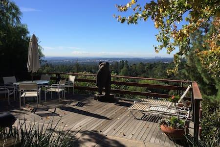 Pasadena Foothills Retreat- Master BR - Altadena
