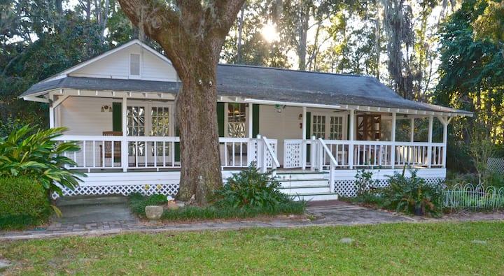 Charming Cottage getaway