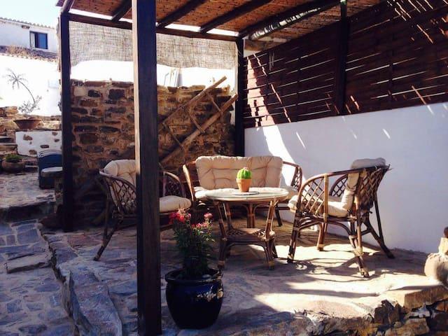 Villa Sundays- SUNNY RELAXING HOLIDAYS INTO NATURE