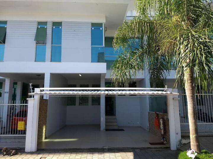 Confortáveis quartos para alugar em Balneário Camb