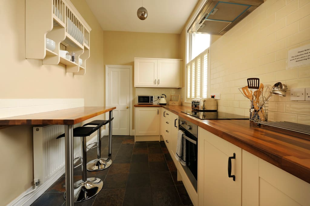 The kitchen is very well equipped with all crockery, glassware and pans you might need