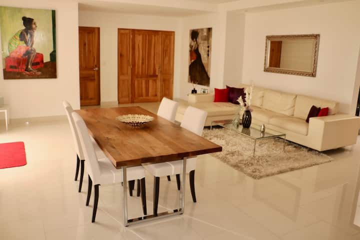 Modern apartment, safe+quiet, centrally located