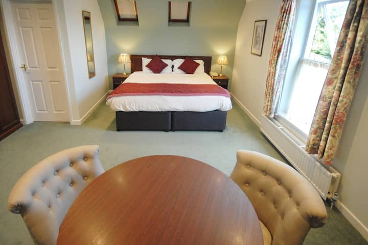 Oxford long term accommodation with Kitchenette