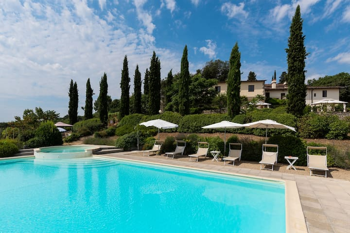 Apartment in Villa nr Florence w SP