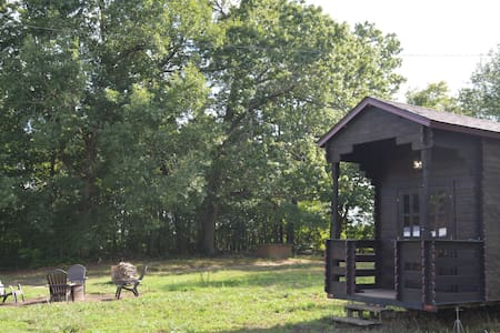 Yoda's Pagoda - Tiny House on Sustainable Farm