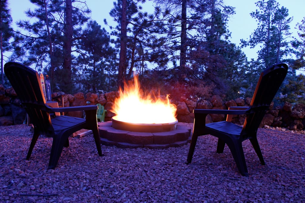 Fire pit at dusk....wonderful views!