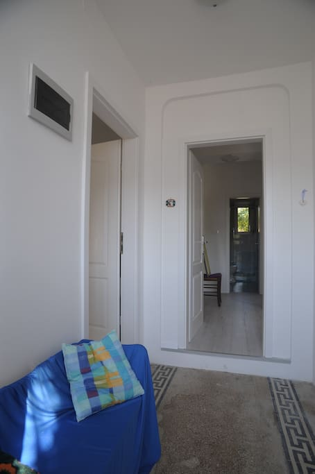 Entrance. Left door are entrate in Room with bathrom. Direct door are entrance in APP (two rooms with kitchen and bathrom).