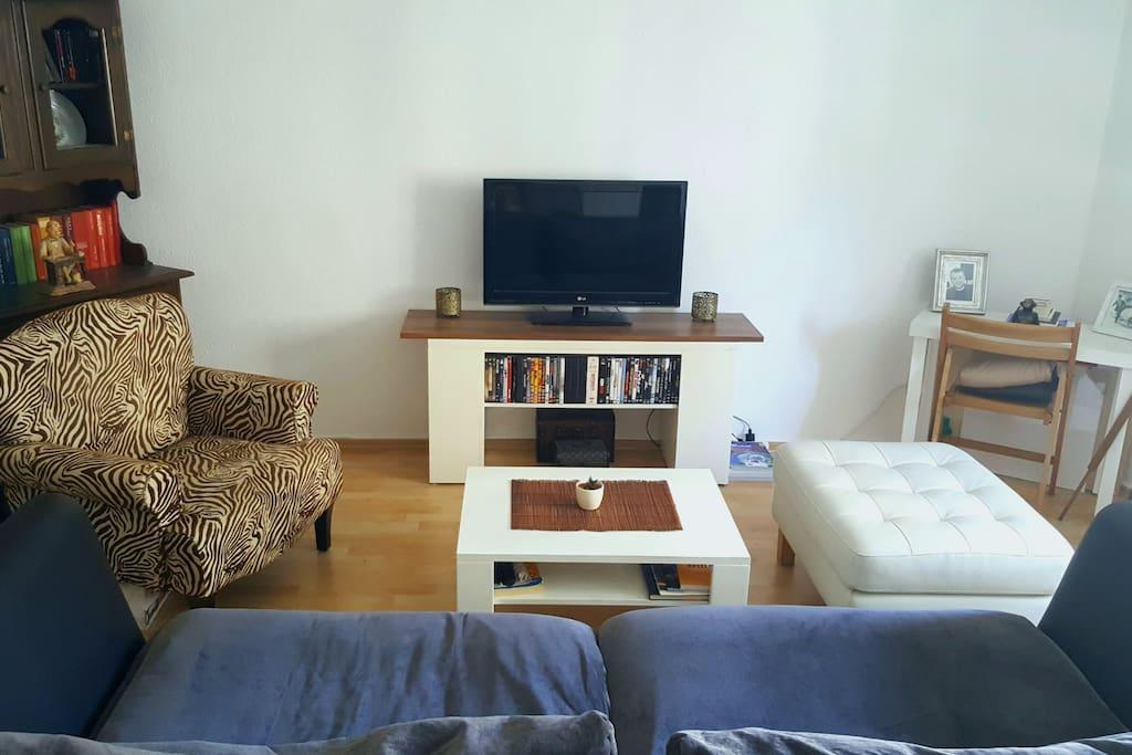 Wohnzimmer - die Couch ist neu, daher auf anderen Fotos noch nicht drauf.