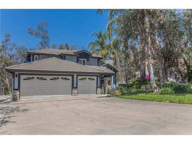Relax Peacefully in The Hills of Rancho Cucamonga