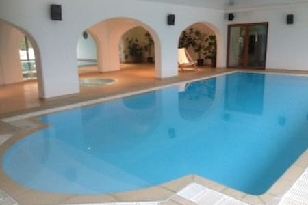 Pixie Lodge and Spa with indoor heated pool - Kent - Bungalow