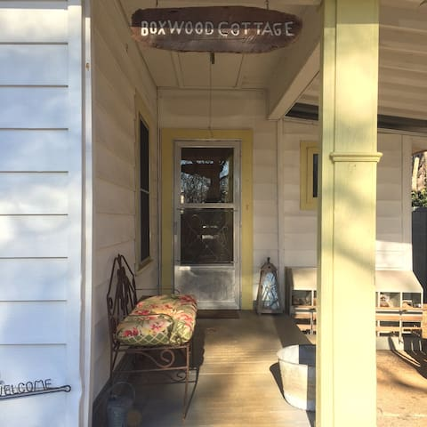 Boxwood Cottage Dahlonega GA Mountain View Cottage - Dahlonega - Talo