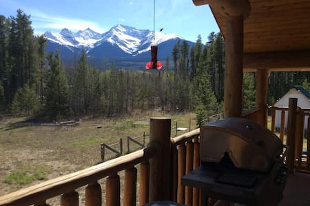 Beautiful log chalet near Valemount & Jasper for u