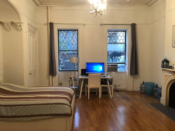 Very large and quite 1 bed room apartment