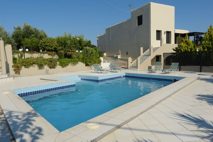 KNOSSOS LUXE STUDIOS W/ SWIMMING POOL