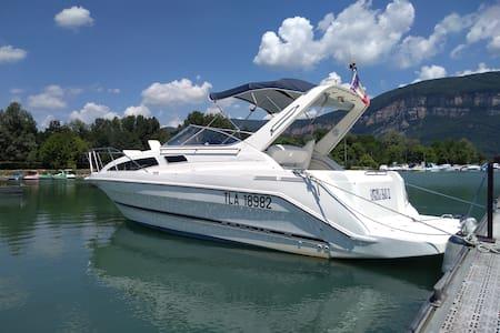 Joli bateau habitable,  dépaysement assuré !