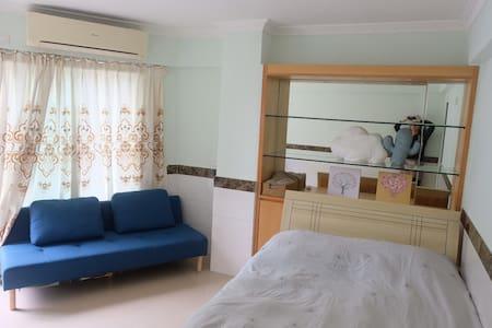 3#帶陽台房间@複式房子@大三巴步行街3# Room @Duplex Apt by S Paul's