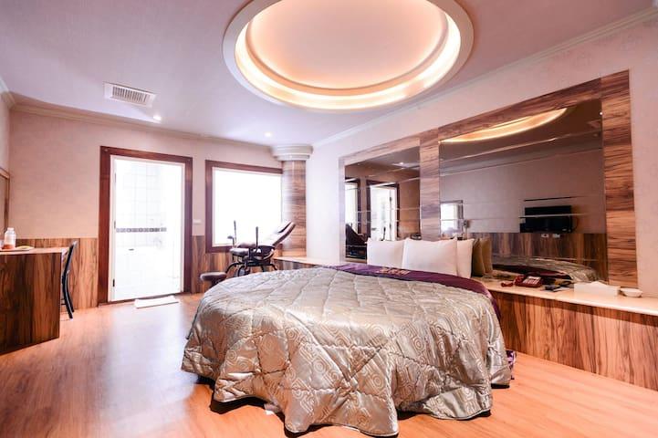 豪華雙人房-圓床