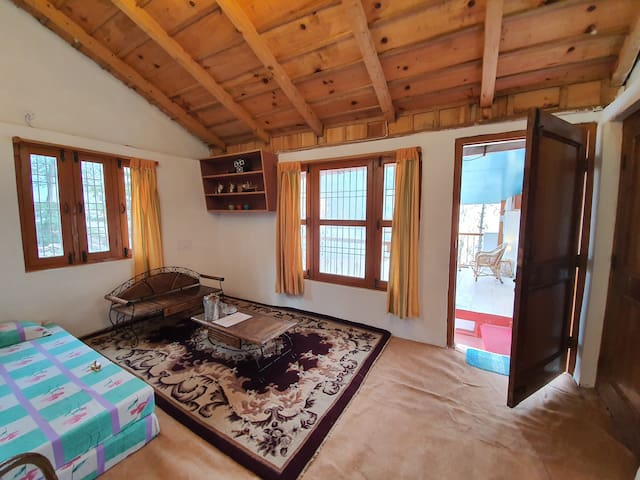 Dream Mountain Family Suite (with private porch)