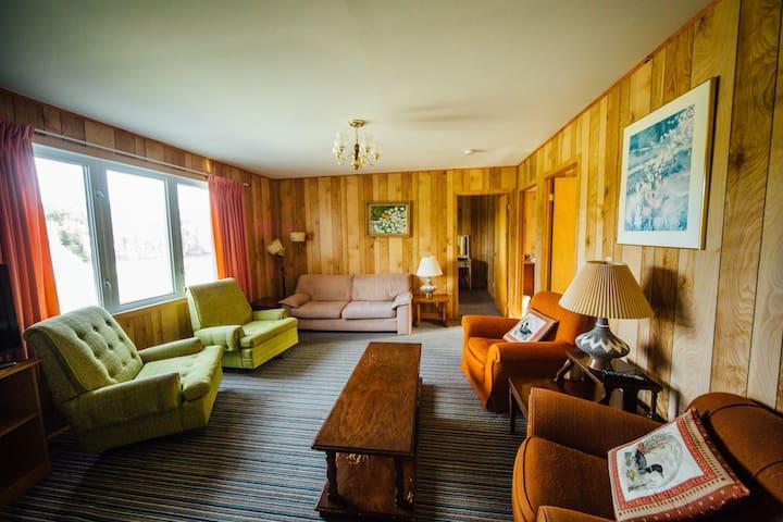 Quiet riverside cottage with Sauna - Cobalt