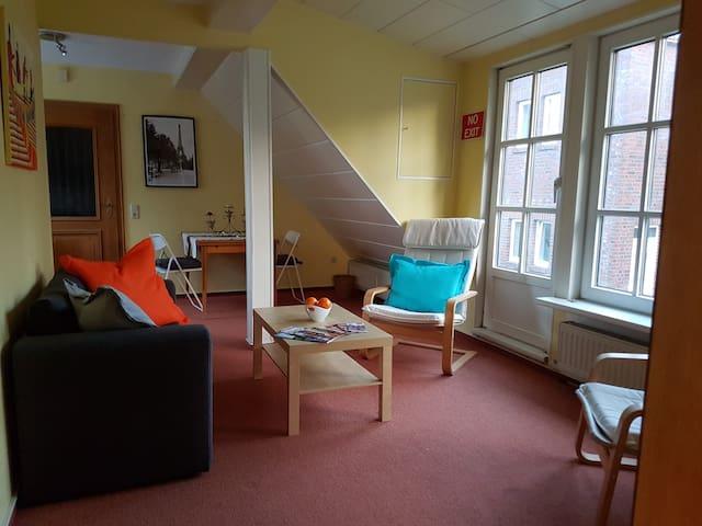 Freundlich helle 2 Zi Wohnung mit Gartenbenutzung - Hamburgo - Apartamento