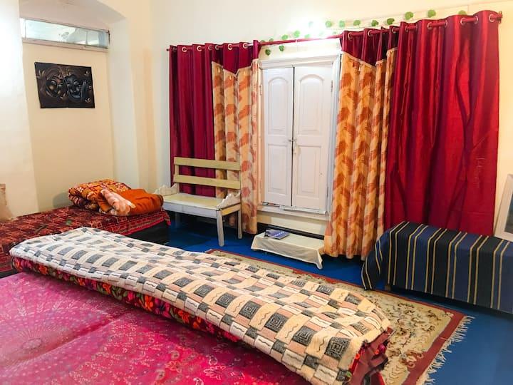 Rose Oak: Prashant's Homestay Nainital
