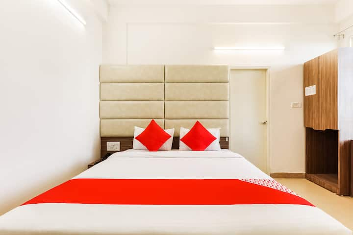 OYO Deluxe 1 BR Aesthetic Stay At Kolar Road