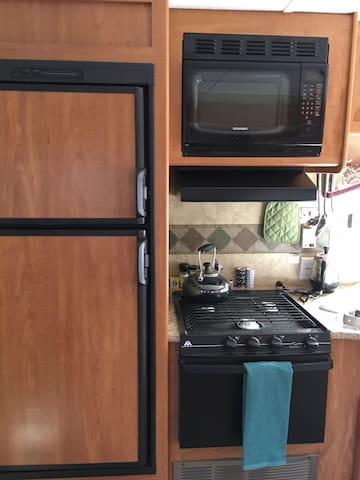Fridge, stove & microwave