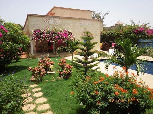 Belle maison pas loin de la plage - Somone - House