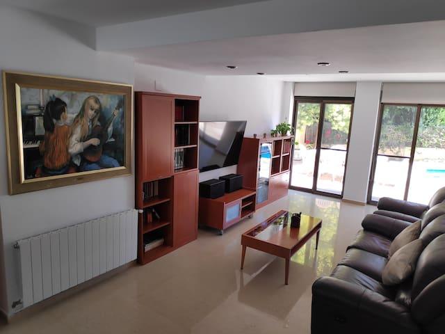 Casa Unifamiliar con Piscina a 15 min de València!