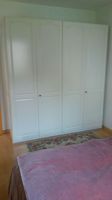 Schlafzimmerkasten/Closet