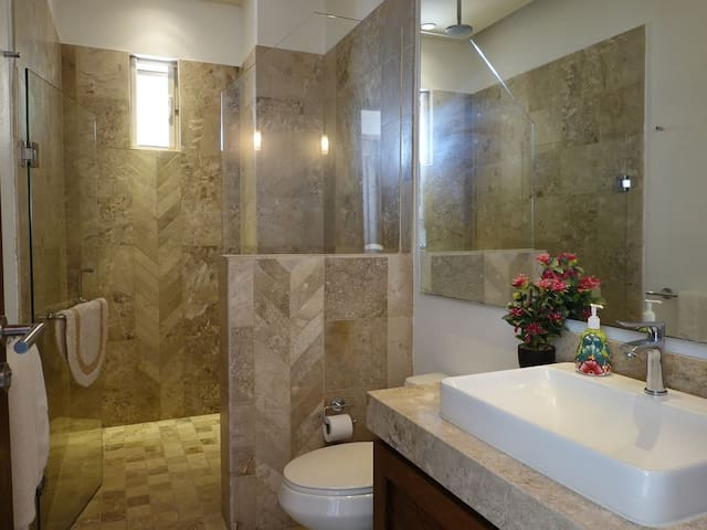 2 full, marble bathrooms