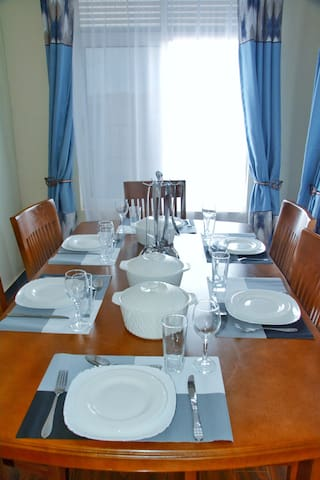 Indulge yourself with the family in a sumptuous meal in this lovely dining