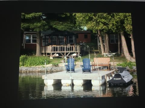 Cottage on Varty Lake - 25min from Kingston !