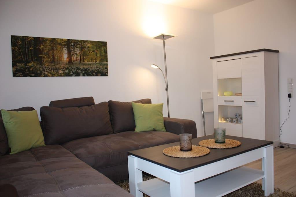 Wohnzimmer, helle Möbel