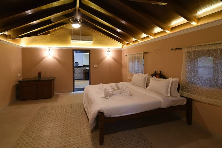 Marrom - Luxury Suite in Heritage villa in Panjim