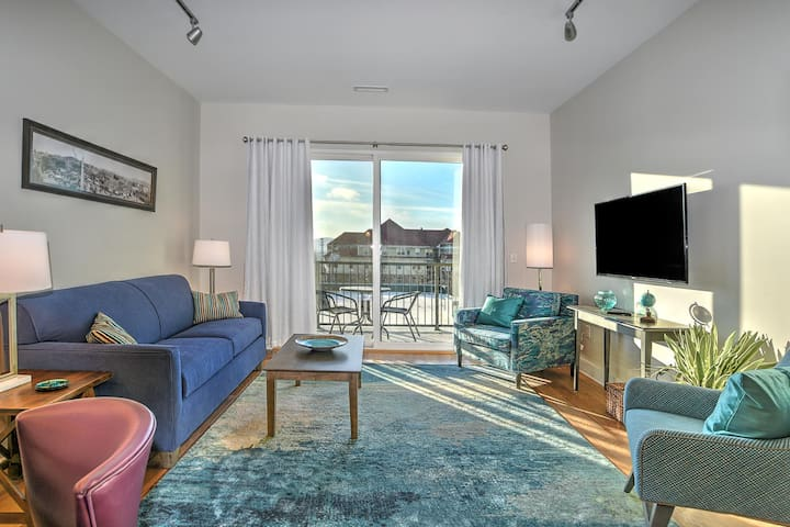 New Luxury Condominium in the Heart of Downtown Asheville with Mountain Views