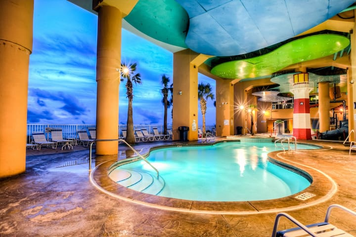 Amazing Splash Resort - 2 BD, 2 BA Ocean Front Condo  1902W