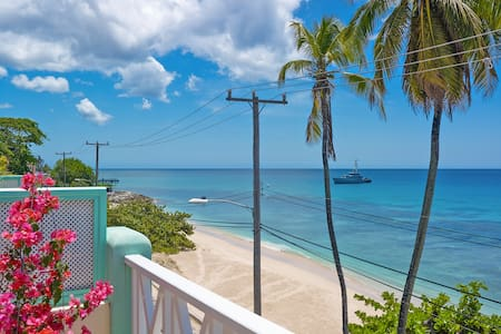 Carib Edge beachfront penthouse, west coast, BB - Douglas - Leilighet