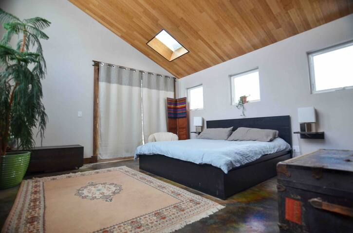 Remodeled room just minutes from downtown Bozeman