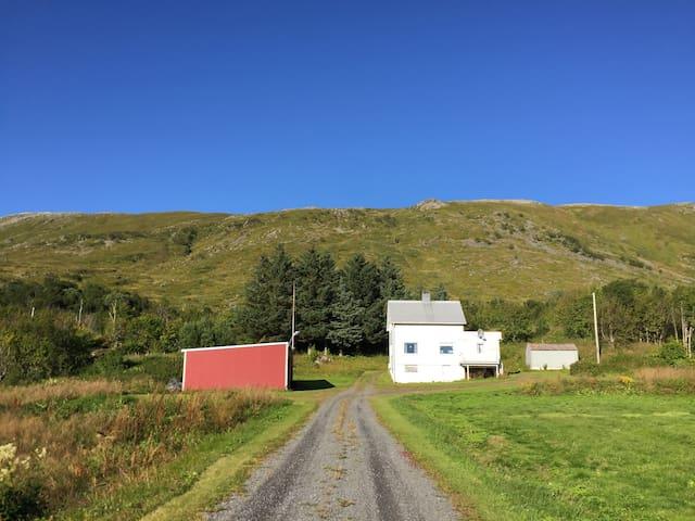 Sommerhus i vakre Borgfjord - Vestvågøy - Rumah