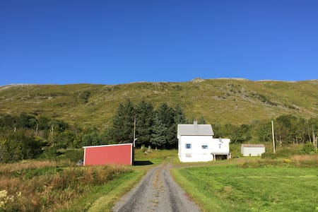 Sommerhus i vakre Borgfjord - Vestvågøy - Casa