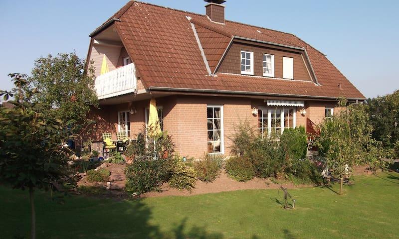 """Ferienwohnung """"Haus Alexandra"""" - Bad Driburg - Talo"""