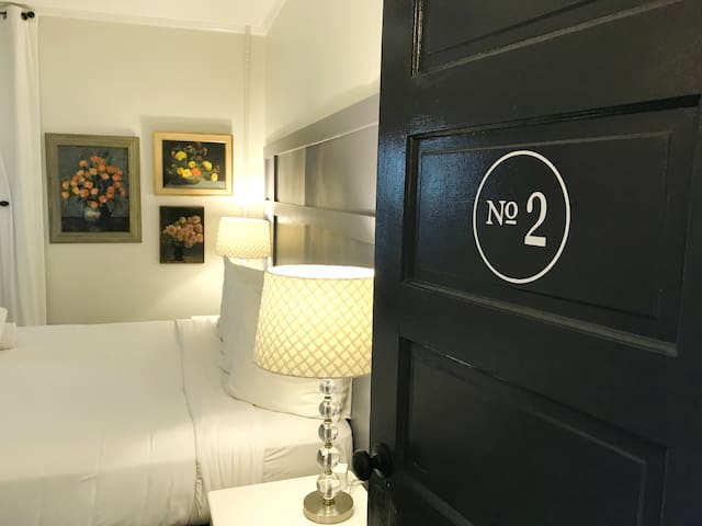 WE WANT TO GET YOU IN OUR BED - Charm guesthouse Room 2!
