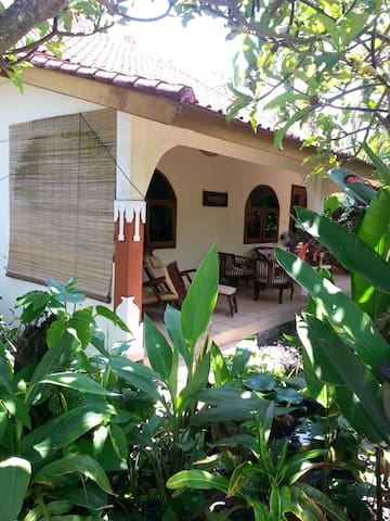 Bali - Best Budget Beach Bungalow - Pool, WiFi, AC
