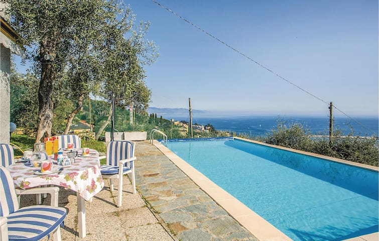 Holiday cottage with 1 bedroom on 65m² in S. Margherita Ligure