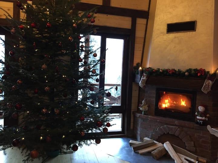 """Cozy cottage near the ski resort """"Bukovel"""""""