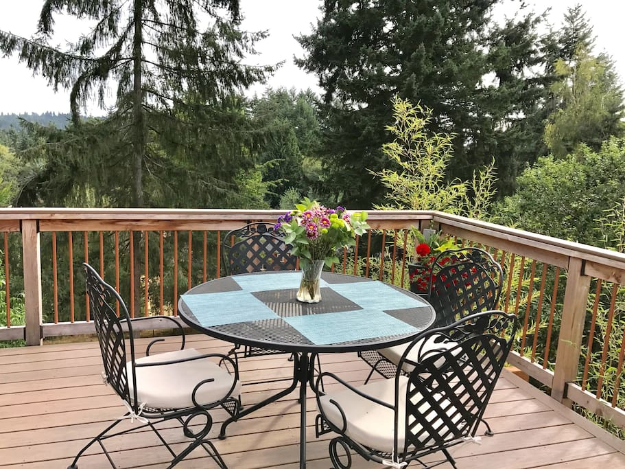 600 square foot deck that is private and spacious.